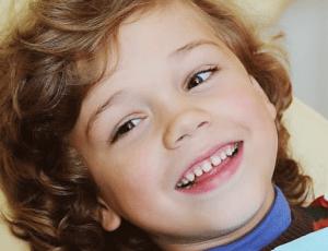 Зачем удалять зубы у детей